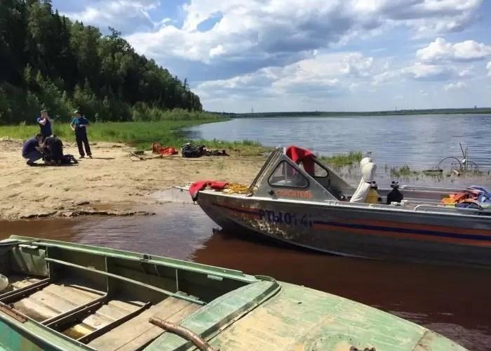 В Югре лодка врезалась в теплоход, погиб человек