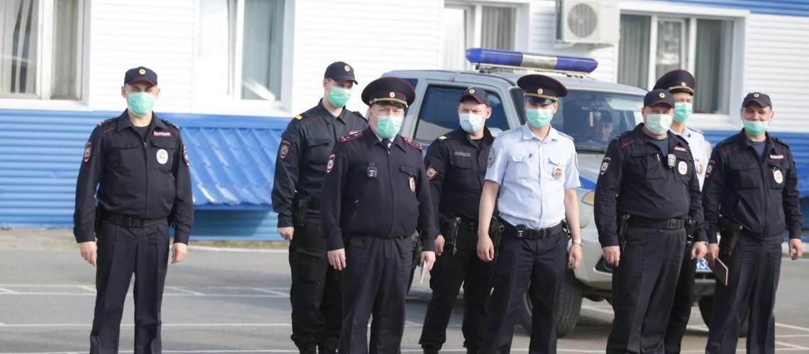 Путин предложил распространить выплату 15 тыс. рублей на курсантов и сотрудников правоохранительных органов