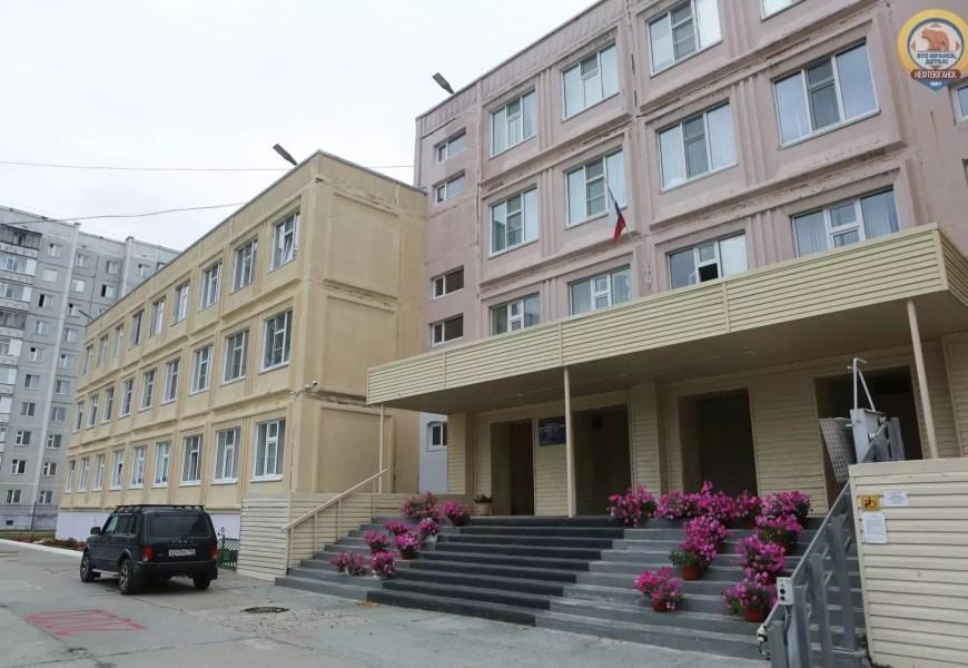 В российских школах хотят внедрить школофоны