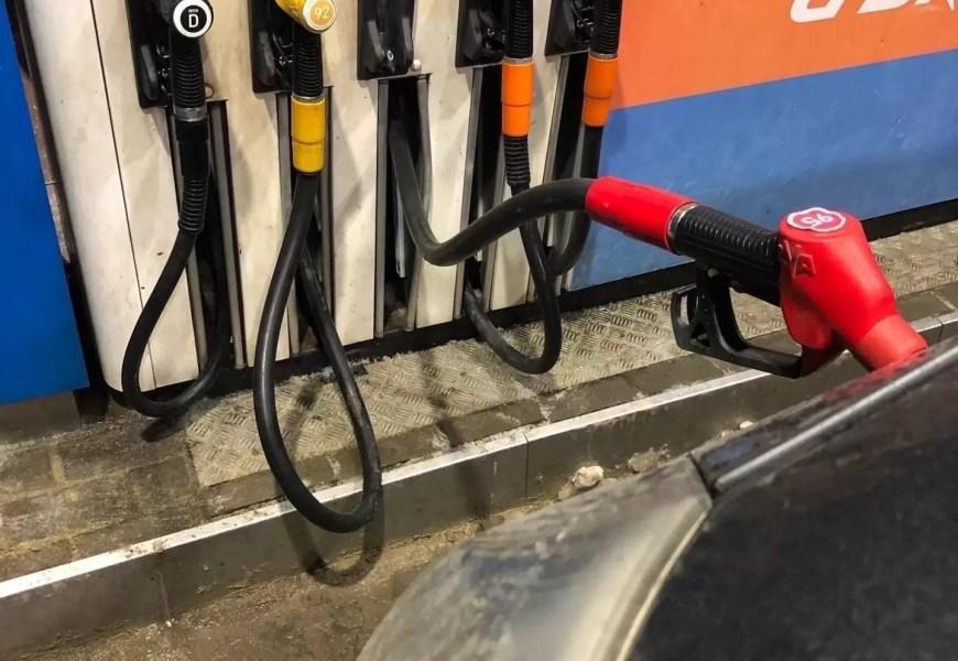 Югорские автолюбители стали больше тратиться на топливо