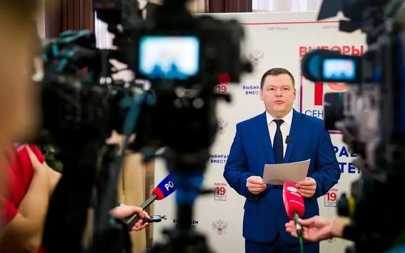 Глава Избиркома Югры Денис Корнеев рассказал журналистам об итогах выдвижения кандидатов на выборы 19 сентября 2021 года.