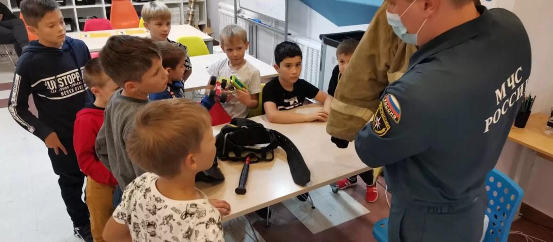 В Нефтеюганском «Кванториум» прошел урок с воспитанниками на тему: