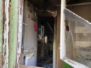 Пожар в жилом двухэтажном доме тушили сегодня в Нефтеюганске.