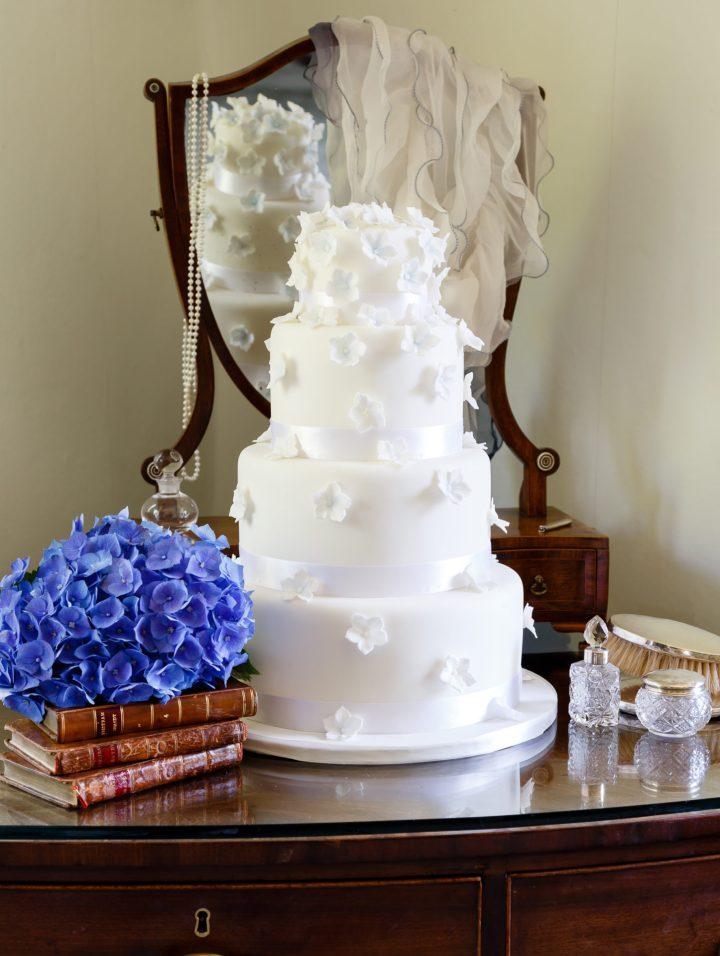 Tumbling Hydrangea Cake