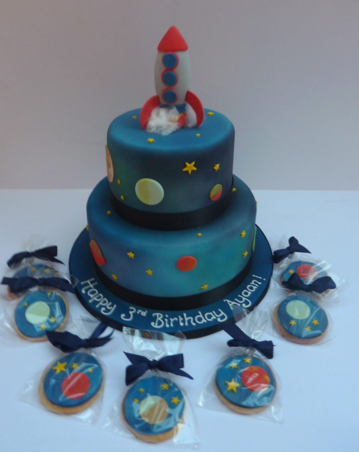 Rocket Cake and Biscuits
