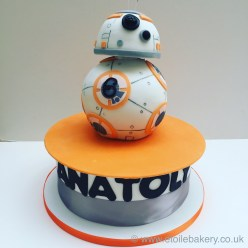 BB8 Star Wars Birthday Cake
