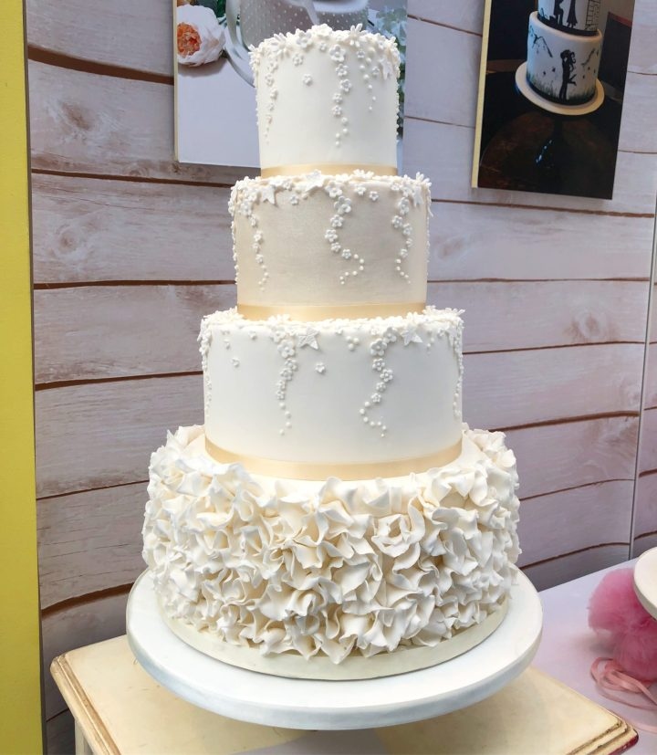 Daisy Drop Wedding Cake