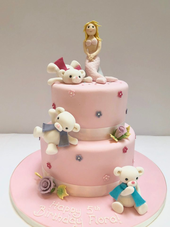 Tumbling Polar Bears Cake