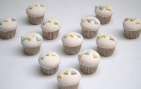 Cupcakes with Bunting