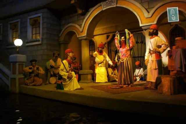 Indian girl is dancing, Efteling