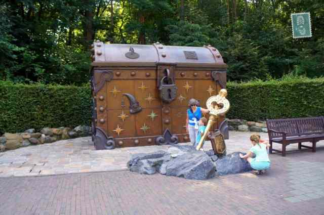 The key some visitors tried to take out, vainly Efteling