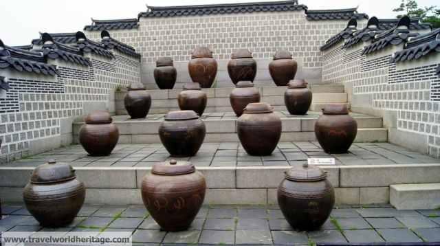 Food pots in Seoul