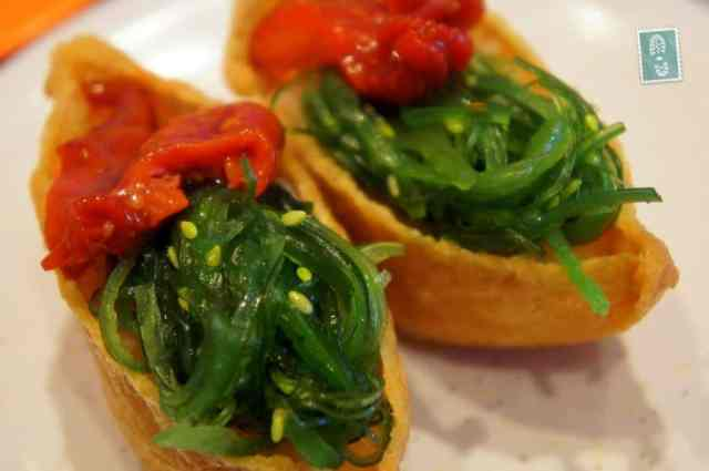 Seaweed gunkanzushi with thick sweet sauce