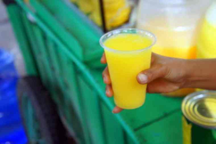 Pineapple juice from the street