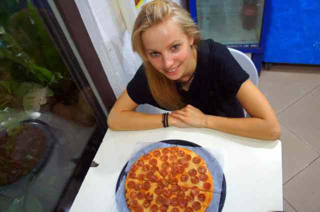 Pizza Alona beach