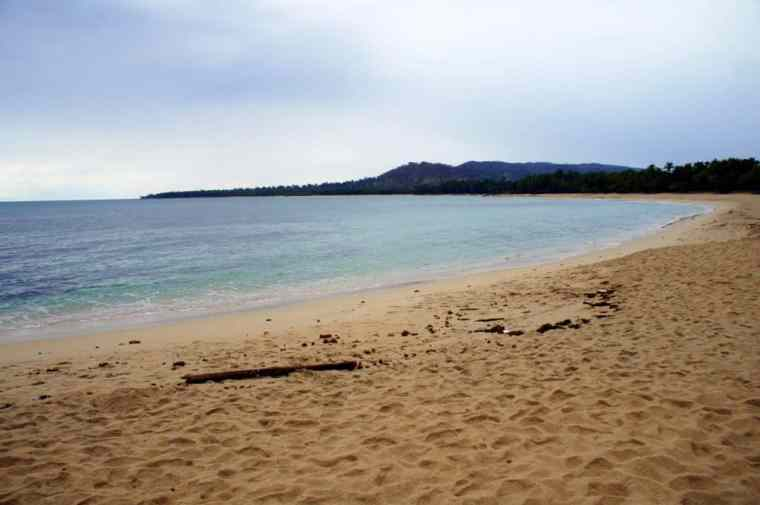 Empty and dirty beach in Pagudpud