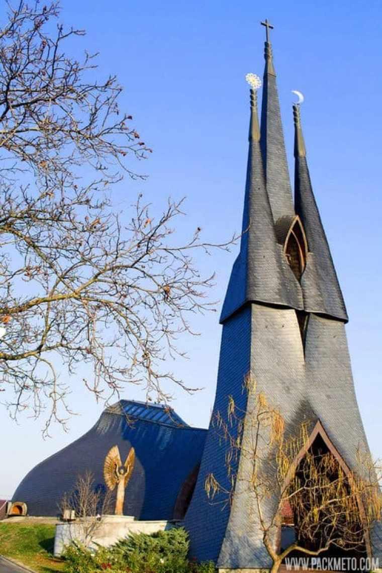Paks-Church