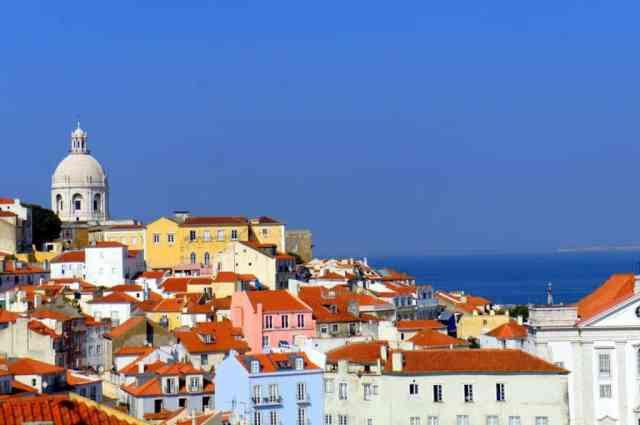How I Spent A Day In Lisbon For $1 (As A Travel Blogger