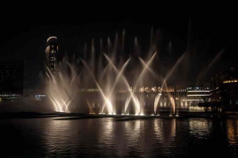 DXB Mall fountain