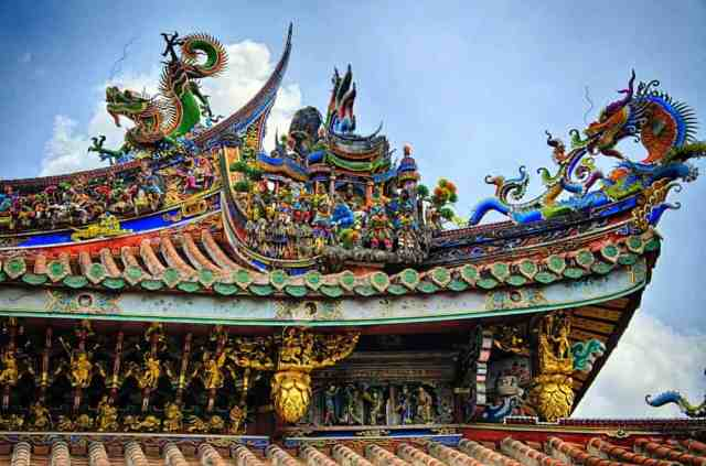 roof-detail-bao-an-temple-taipei-taiwan