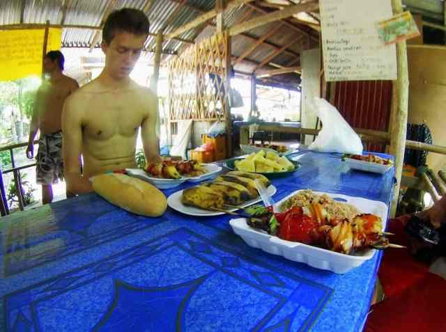 Lunch-on-Vang-Vieng-Tour