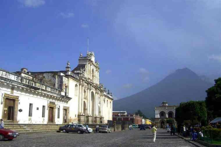 Antigua Guatemala - Travelbllgr