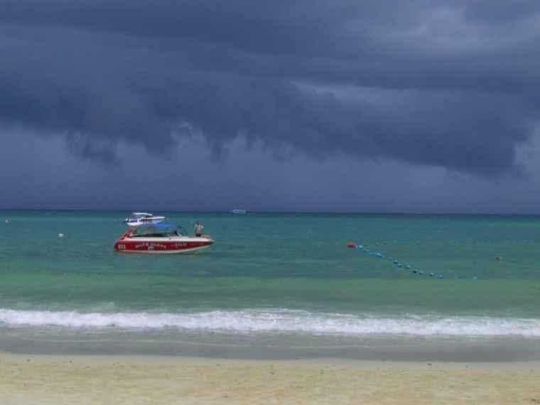 Ko Samet Storm - Travelbllgr