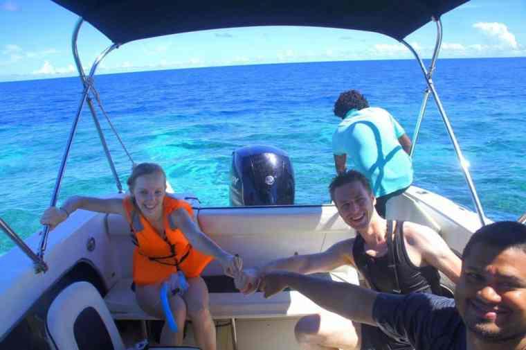 Snorkelling on Thulusdhoo island