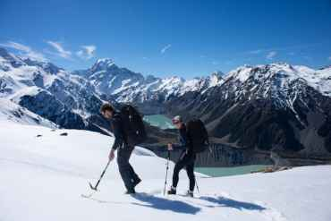 winter alpine hiking in new zealand