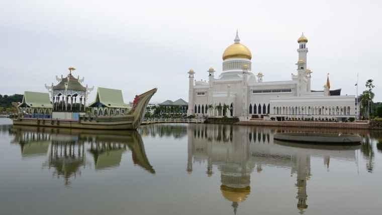 Omar Ali Saifuddien Mosque - Brunei itinerary