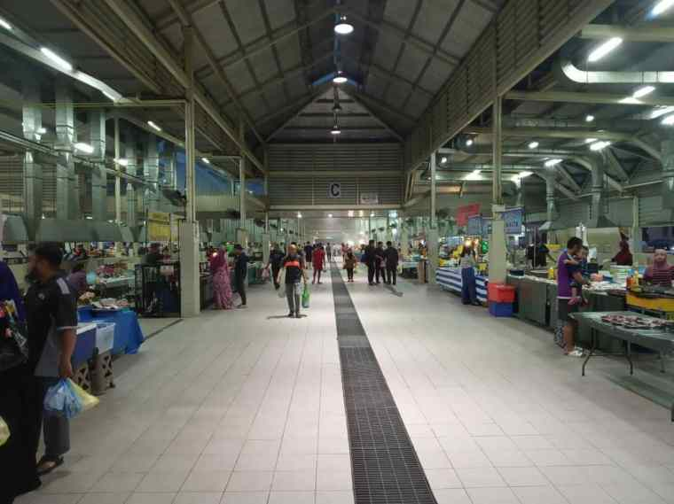 The Gadong Night Market - Brunei tour