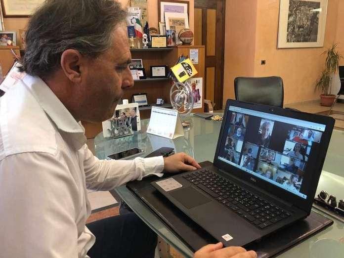 Il vicesindaco LUca Benni in videoconferenza