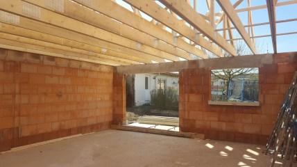 Etape 3 On monte les murs et la charpente...