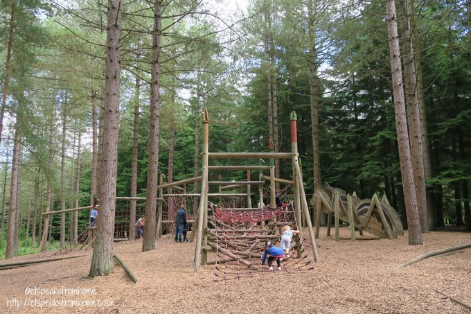 moor valley forest climbing frame
