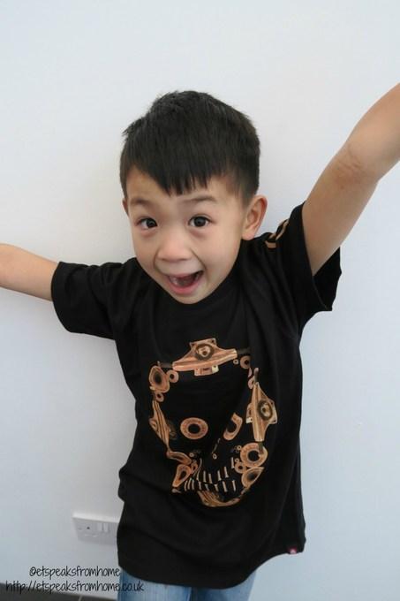 saltrock skull skateboard tshirt