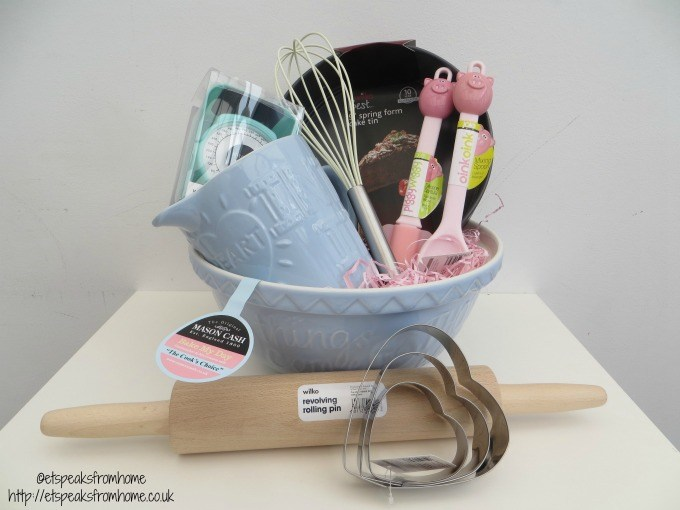 sweet piggy bun et speaks from home. Black Bedroom Furniture Sets. Home Design Ideas