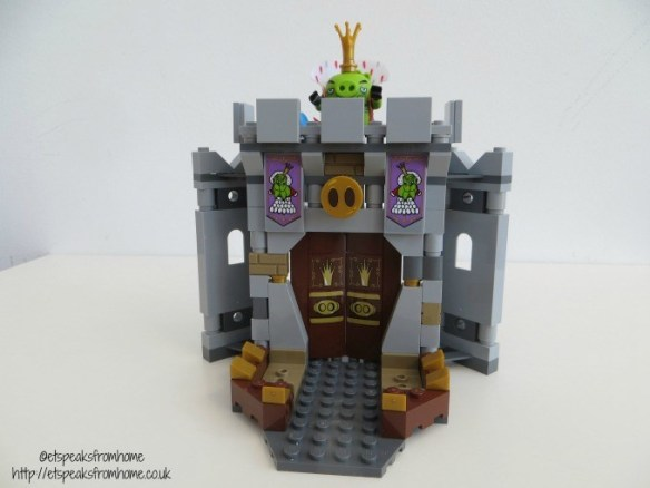 lego king pig castle gate