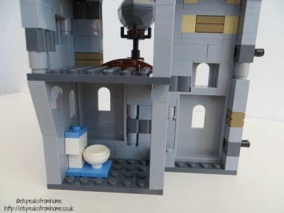 lego king pig castle toilet