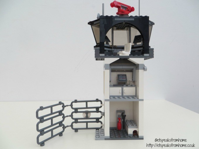lego marvel super heroes airport control tower back