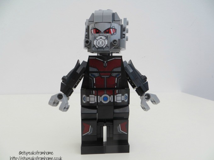 lego marvel super heroes giant ant-man