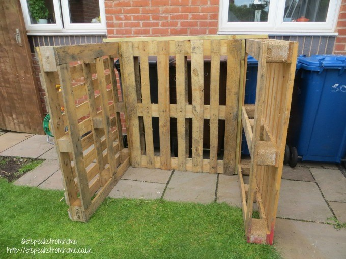 pallet playhouse C frame
