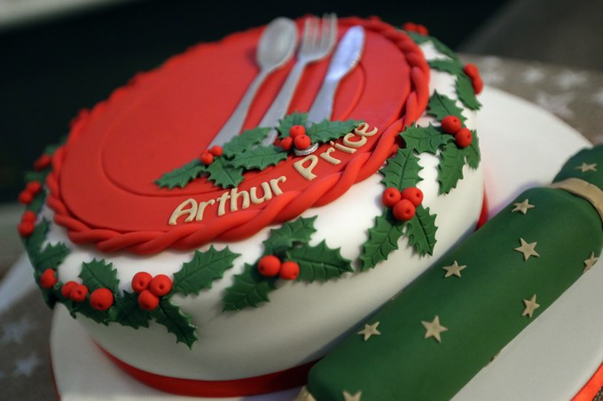 arthur price perfect christmas table cake