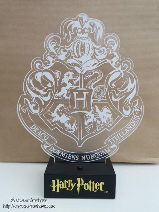 harry potter hogwarts crest light