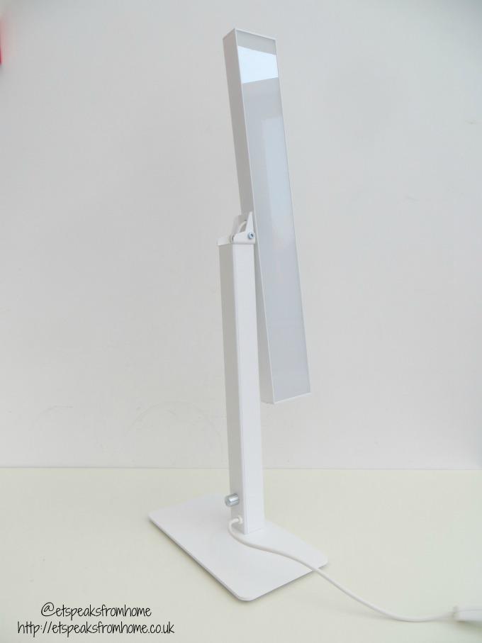 innolux bright light therapy valovoima position