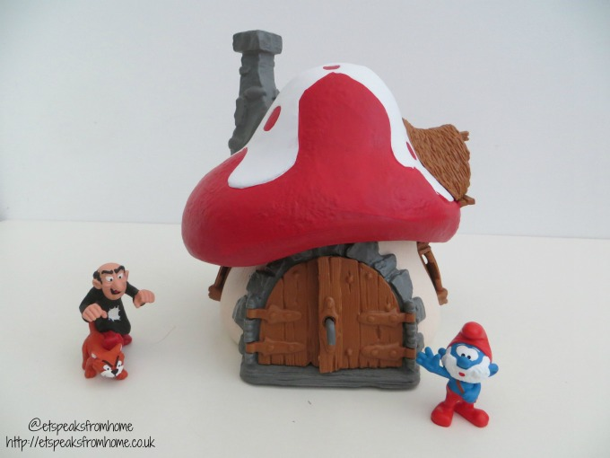 schleich smurf house with papa smurf et speaks from home rh etspeaksfromhome co uk Schleich Smurfs 2 Schleich Smurf Movie Gusty