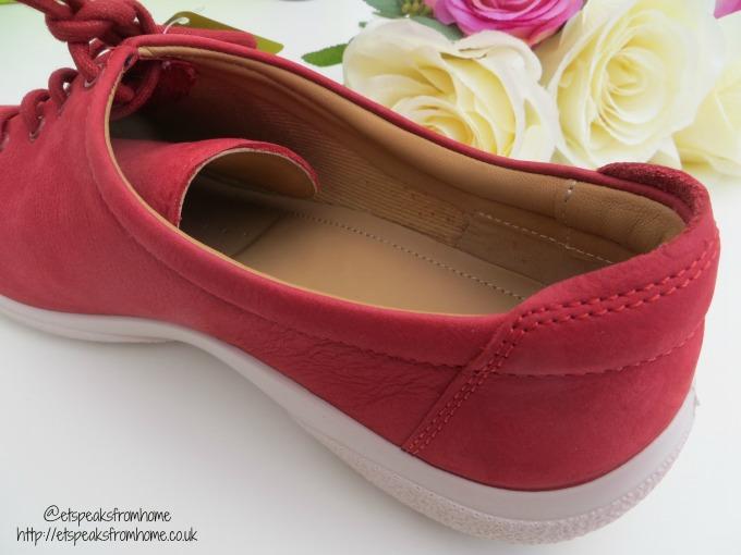 hotter shoes dew side