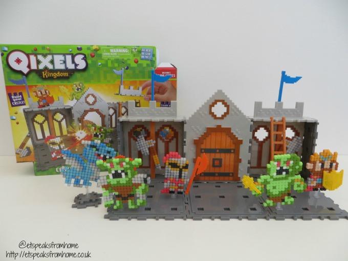 Qixels Kingdom Castle Attack Playset Review