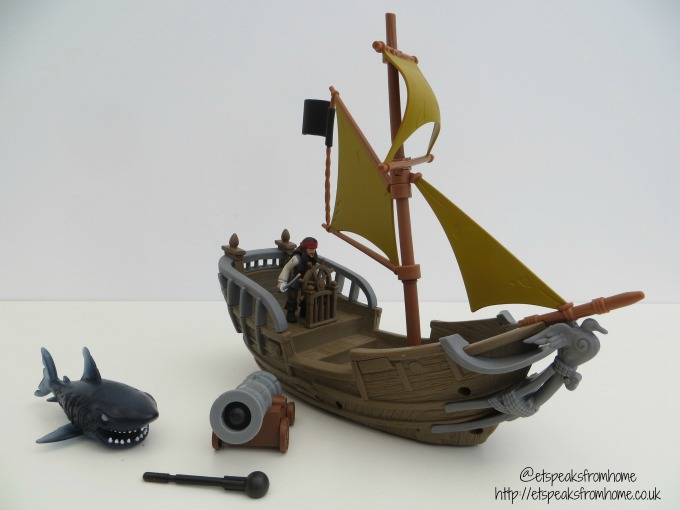 Spin Master Pirates of the Caribbean jack sparrow's pirate ship review