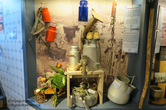 https://i0.wp.com/etspeaksfromhome.co.uk/wp-content/uploads/2017/05/foods-to-try-in-amsterdam-cheese-museum-utensils.jpg?resize=680%2C453