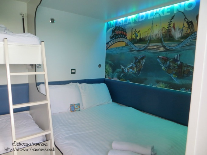 thorpe shark hotel room